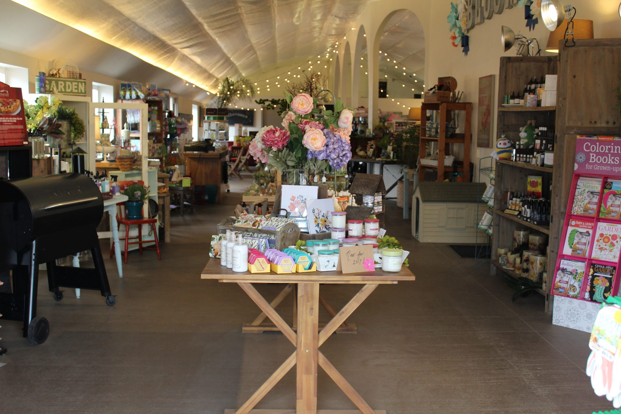 Garden Market Tour ~ Early April | Johnson Brothers